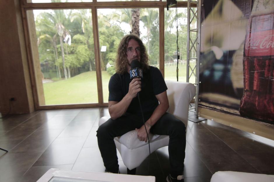 Carlos Puyol ofreció una entrevista después de la actividad. (Foto: Alejandro Balán/Soy502)