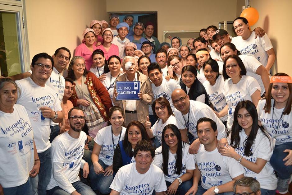 Colaboradores de Visualiza participaron en la jornada especial por el Día Mundial de la Visión. (Foto: cortesía de Visualiza)