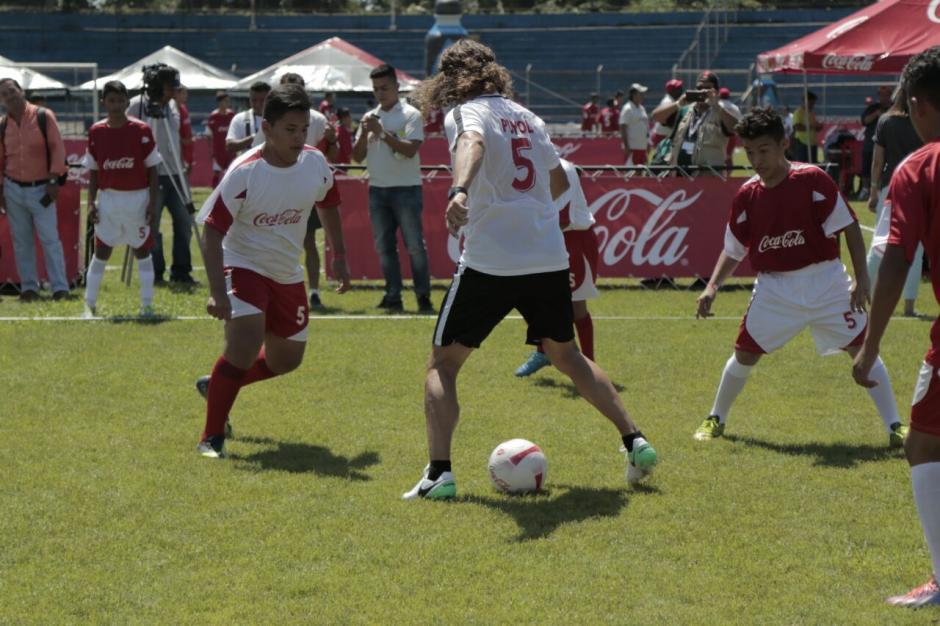 Puyol se mostró sorprendido por el talento de los adolescentes (Foto: Alejandro Balán/Soy502)