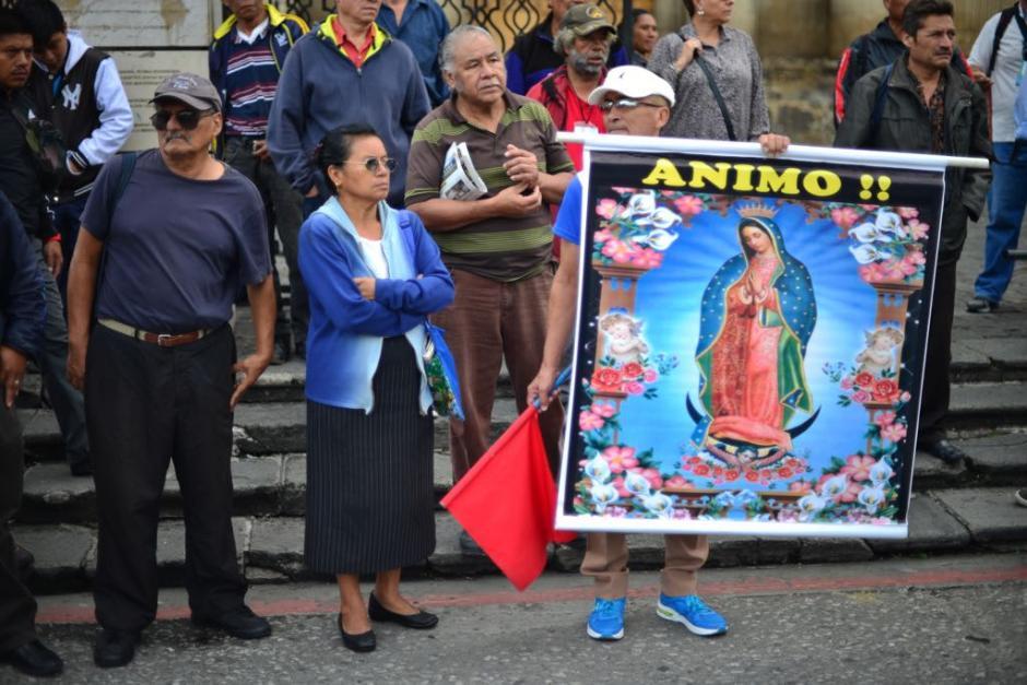 Aficionados se presentan a la inauguración de la Vuelta Ciclística a Guatemala. (Foto: Jesús Alfonso/Soy502)