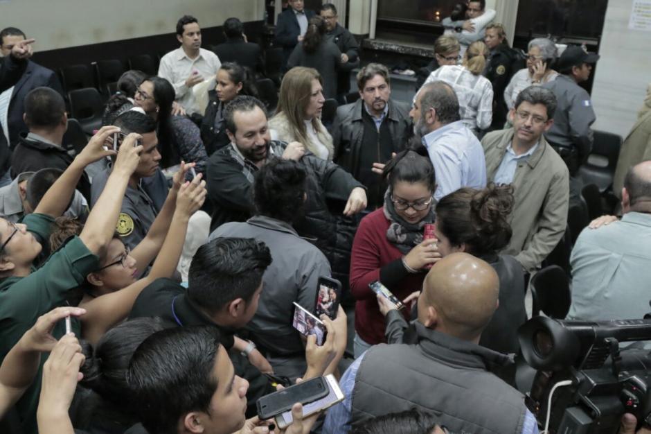 El ambiente en la sala de audiencias al concluir la resolución. (Foto: Alejandro Balán/Soy502).