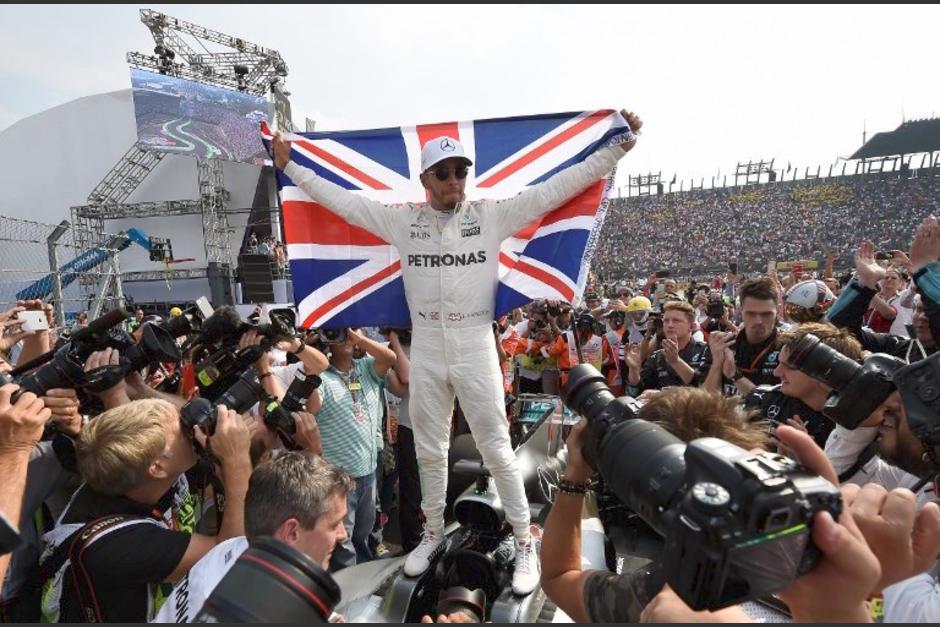 Hamilton fue ovacionado en México. (Foto: AFP)
