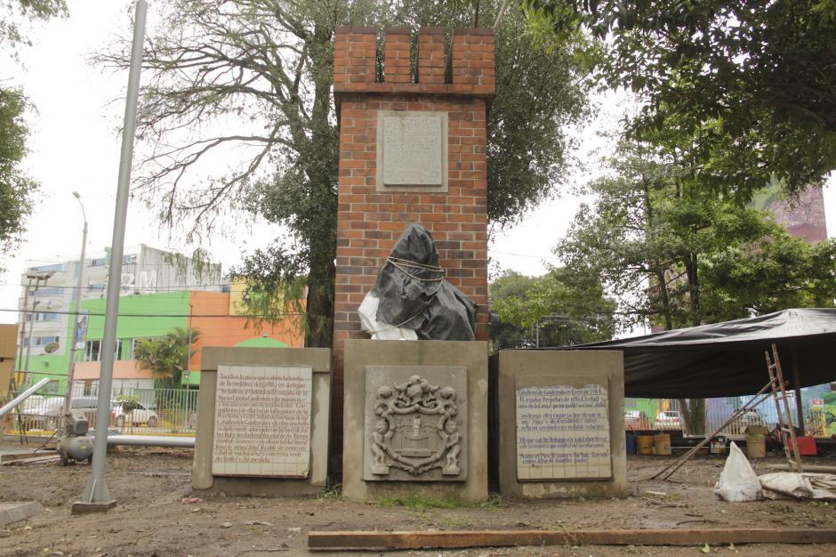 El monumento a Bernal Díaz del Castillo (Foto: Fredy Hernández/Soy502)