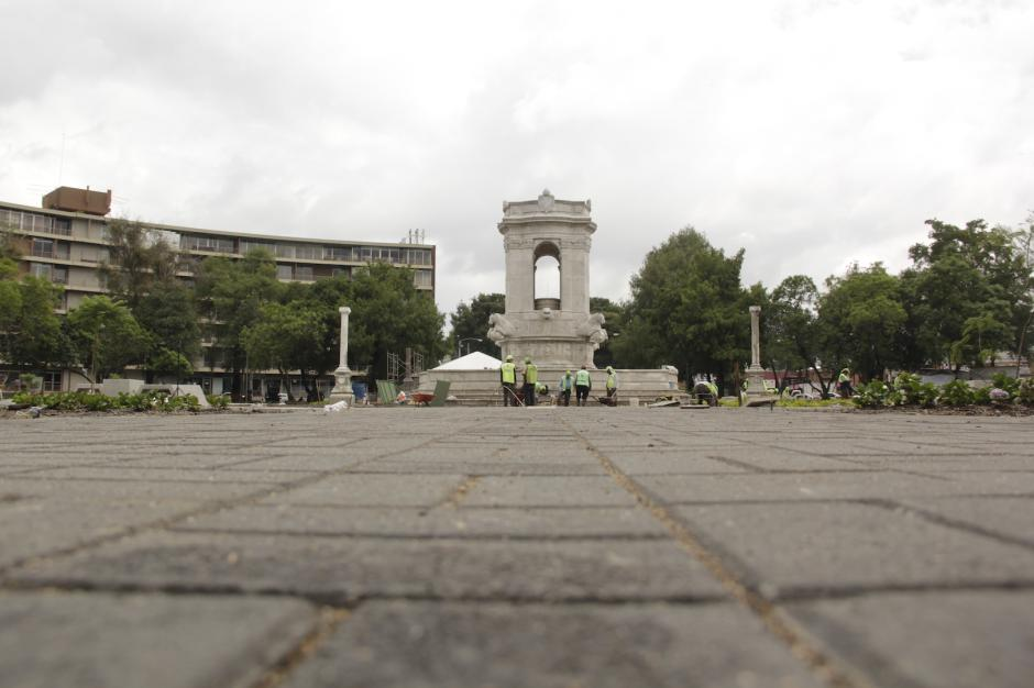 La Plaza España espera la llegada de visitantes antes del día de la Independencia. (Foto: Fredy Hernández/Soy502)