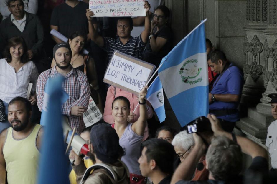 Los ciudadanos que manifestaron la tarde de este sábado respaldan a Iván Velásquez. (Foto: Alejandro Balán/Soy502)