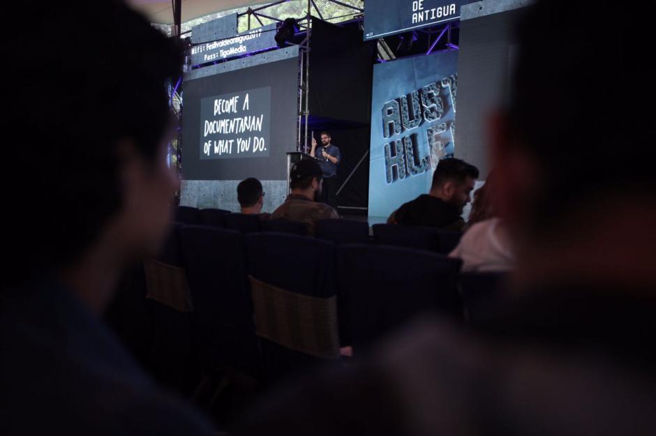 Austin Kleon compartió su visión sobre la era digital. (Foto: George Rojas/Soy502)