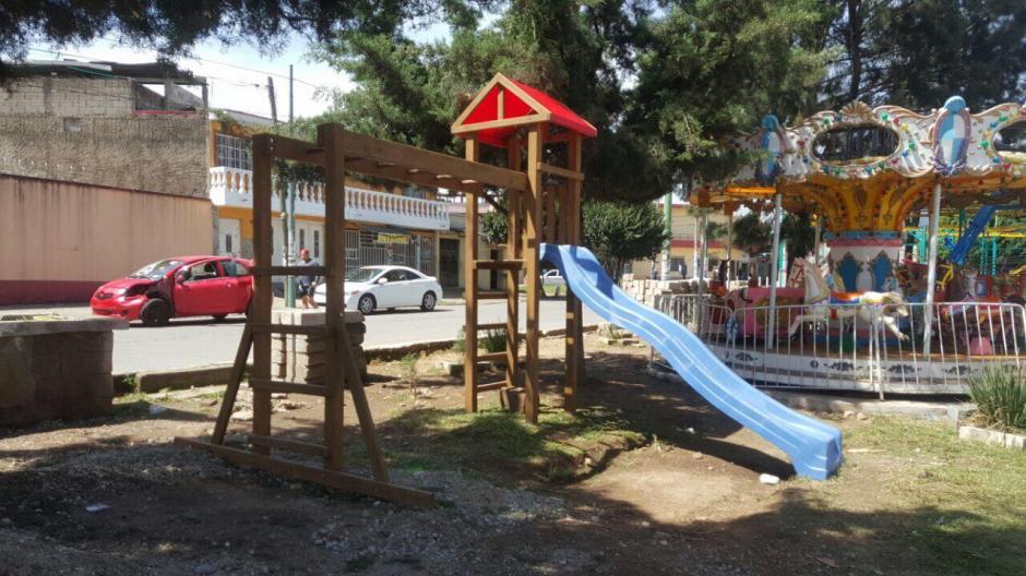 El área también cuenta con juegos como los resbaladeros y columpios. (Foto: Neto Bran)