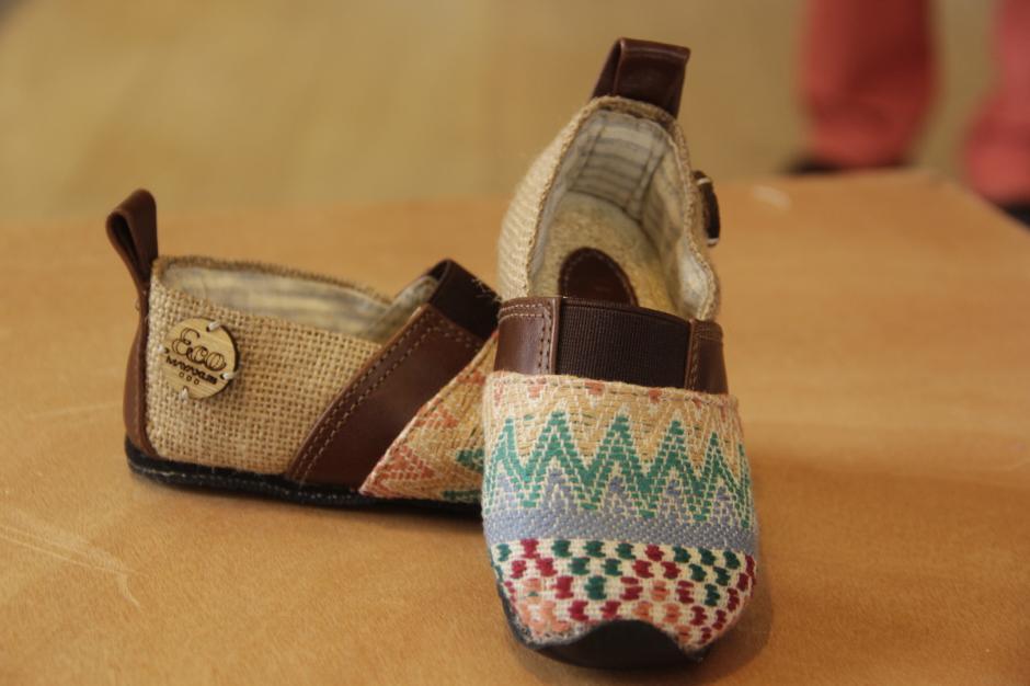 También fabrican zapatos para niños de todas las edades. (Foto: Fredy Hernández/Soy502)