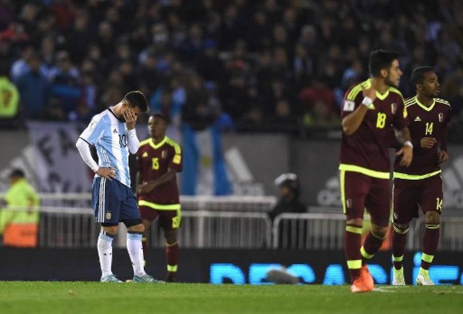 Messi sufrió todo el juego ante los venezolanos. (Foto: AFP)