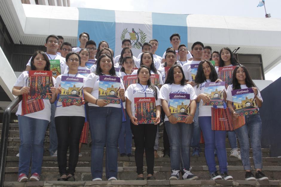 Los participantes buscan una oportunidad laboral a través del turismo. (Foto: Fredy Hernández/Soy502)