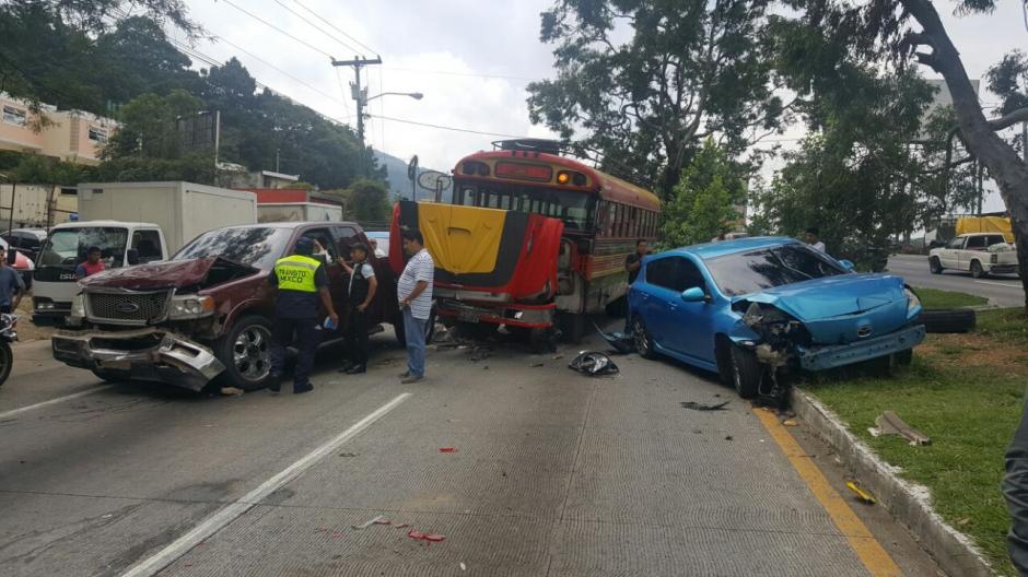 Varios vehículos involucrados en un accidente de tránsito en la ruta Interamericana. (Foto: Bomberos Municipales Departamentales)