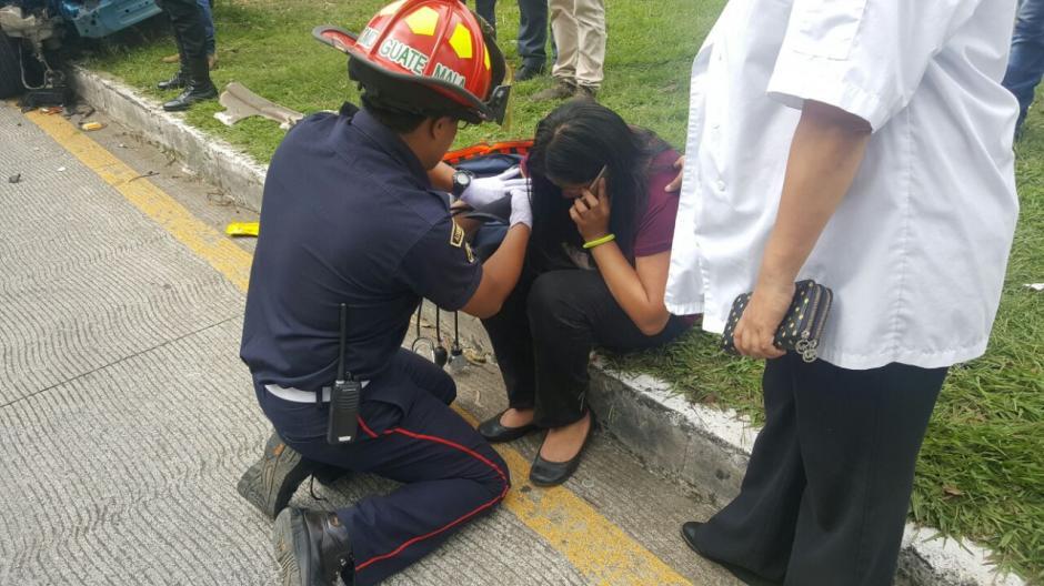 Los Bomberos Municipales Departamentales atendieron a los afectados. (Foto: Bomberos Municipales Departamentales)