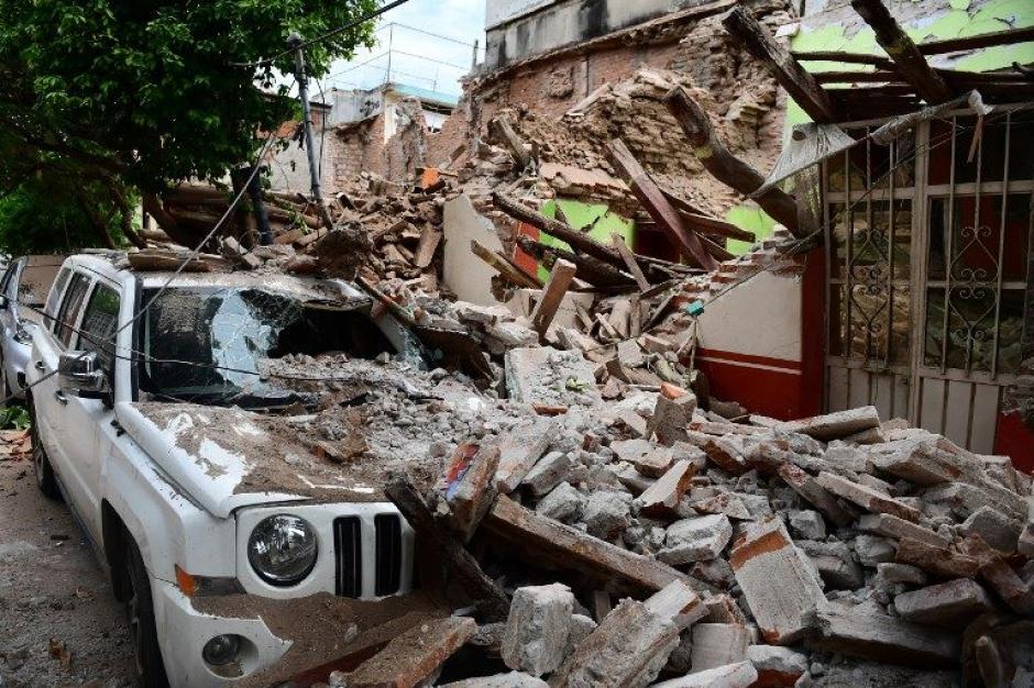 Algunas de las viviendas fueron dañadas parcialmente, otras colapsaron. (Foto: AFP)