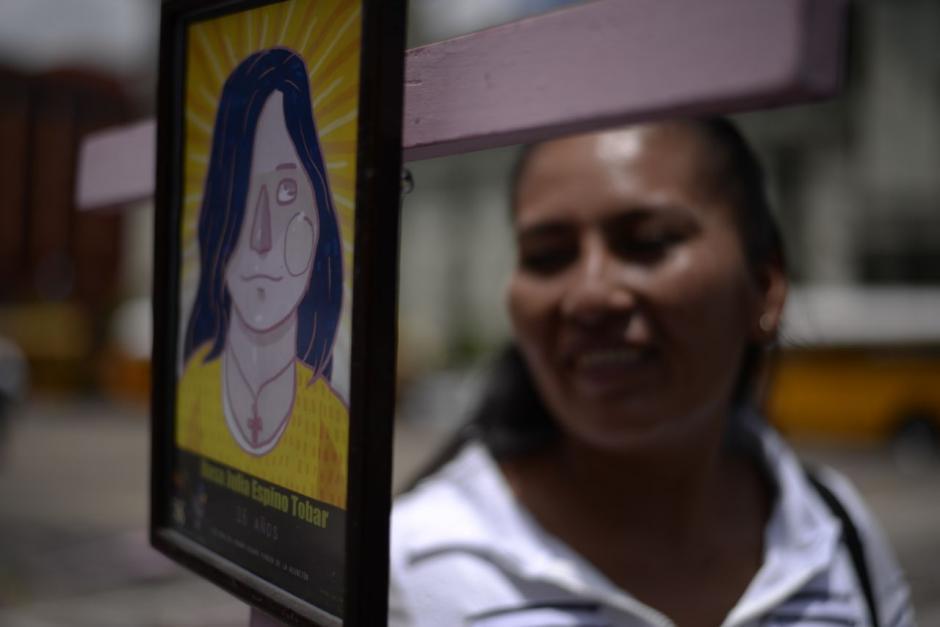 Las niñas víctimas fueron recordadas en la exposición. (Foto: Wilder López/Soy502)