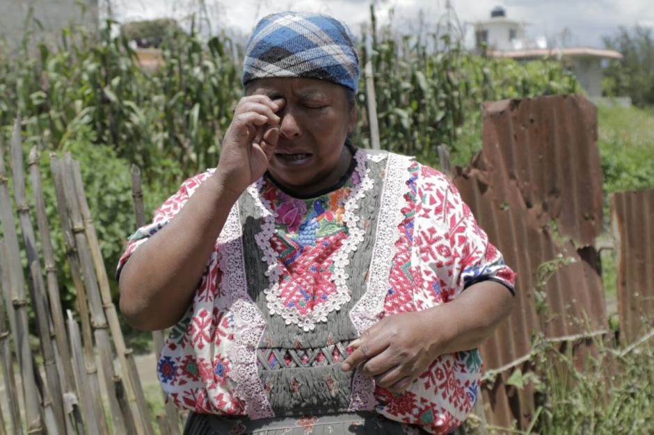 Doña Florinda lamentó la pérdida de su hogar en Quetzaltenango. (Foto: Alejandro Balán/Soy502)