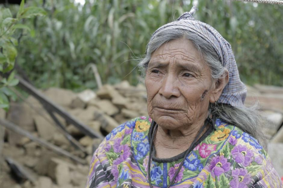 Doña María Julia Pérez espera el apoyo para reponerse de la pérdida. (Foto: Alejandro Balán/Soy502)