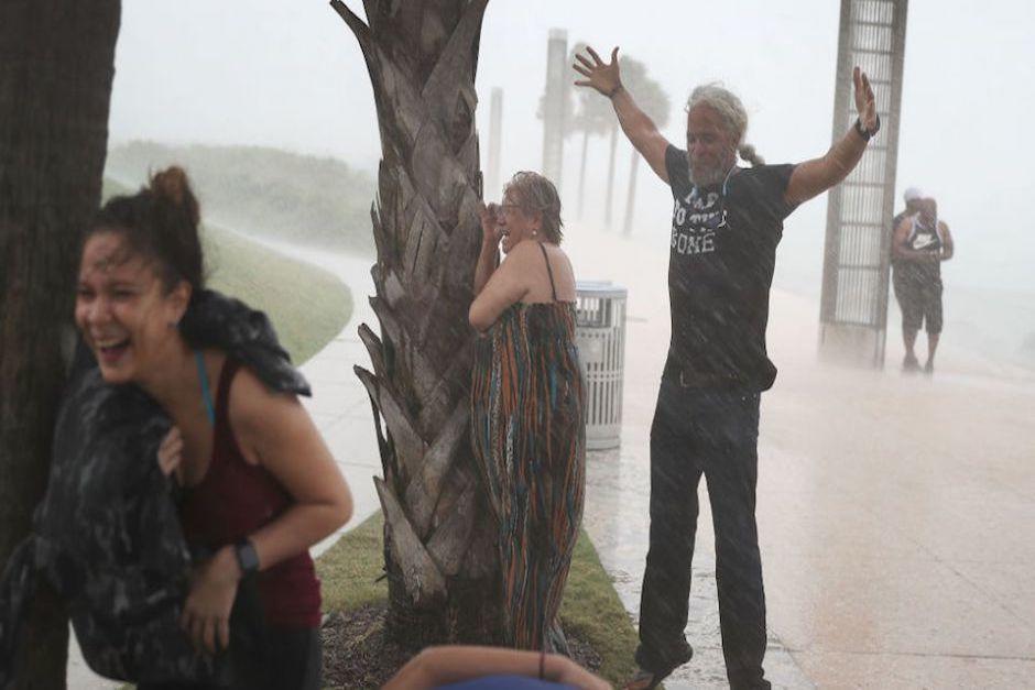 Previo a su llegada, el huracán provocó fuertes vientos e intensas lluvias en Florida. (Foto: CNN)