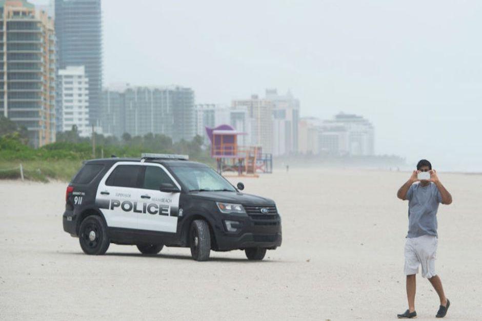 Miami Beach permanecerá en toque de queda hasta el lunes. (Foto: CNN)