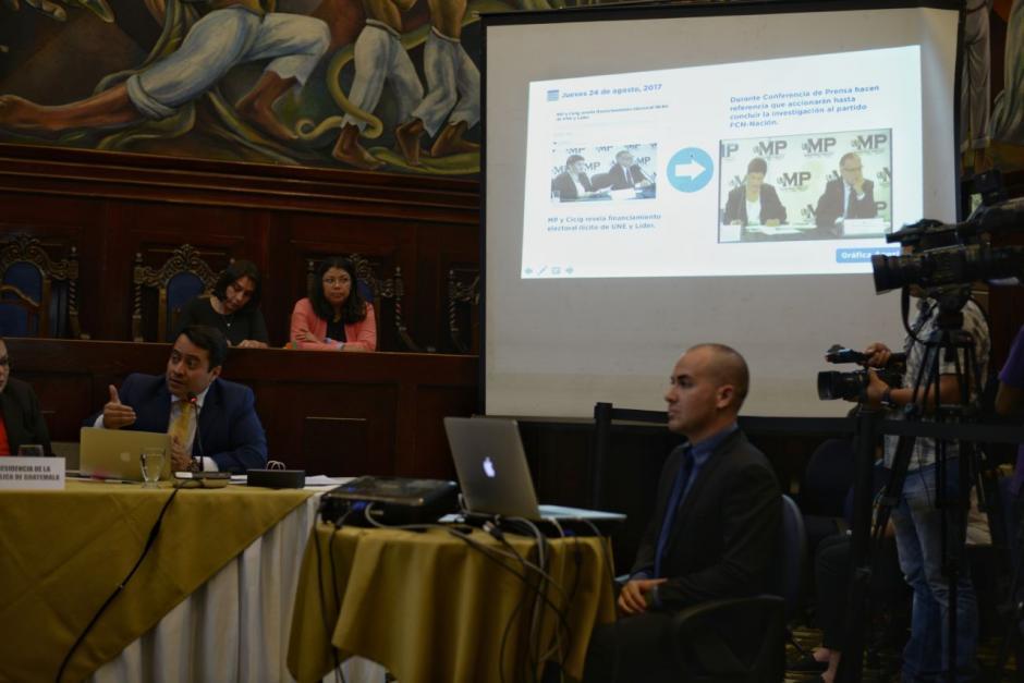 Juan Carlos Borrayo, representante del Presidente durante su presentación. (Fotos: Wilder López/Soy502)