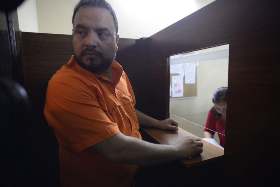 Marvin Palacios llegó al Congreso a presentar documentos que le solicitó la pesquisidora. La Comisión Pesquisidora recibió al representante del Presidente. (Fotos: Wilder López/Soy502)