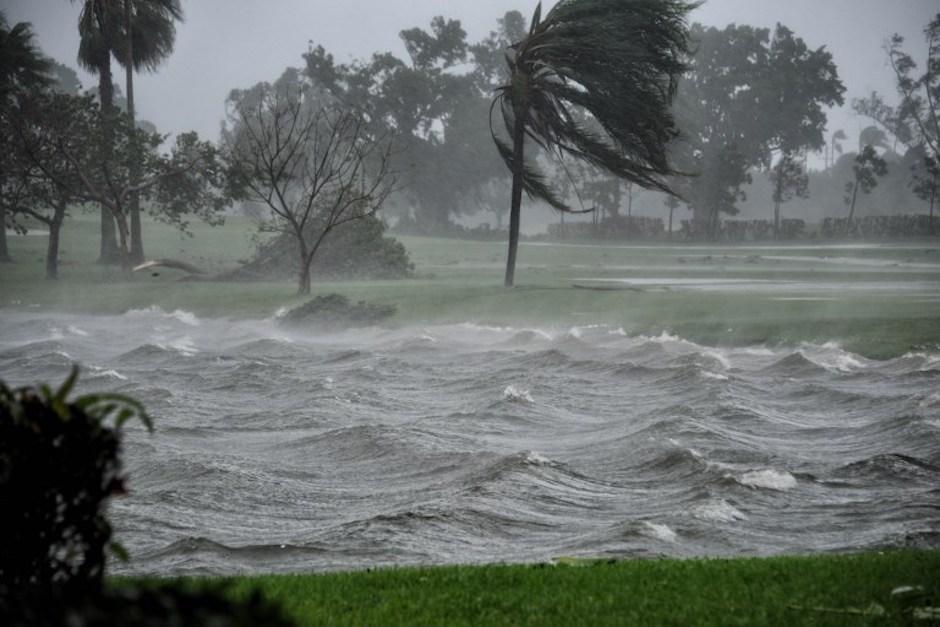 Los fuertes vientos alcanzaron una velocidad de hasta 215 kilómetros por hora en Florida. (Foto: AFP)