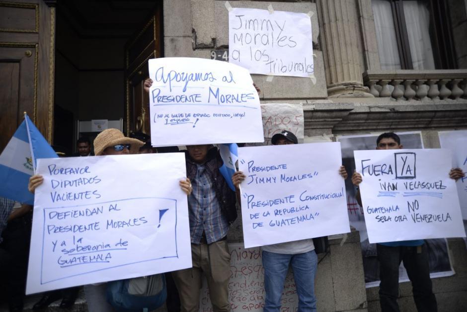 Otro grupo de personas mostró su apoyo a Jimmy. (Foto: Wilder López/Soy502)