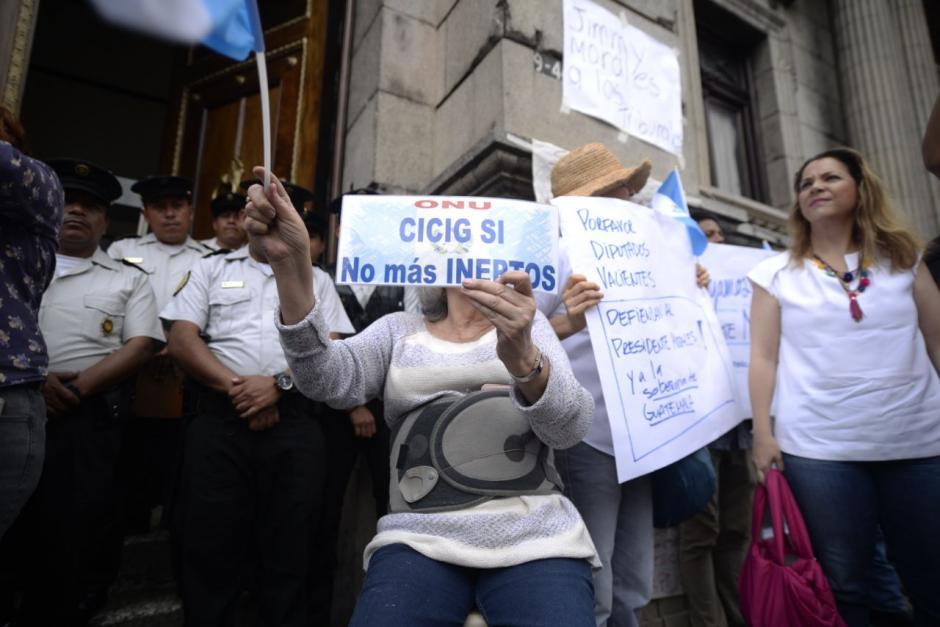 Con pancartas y silbatos se pronunciaron. (Foto: Wilder López/Soy502)