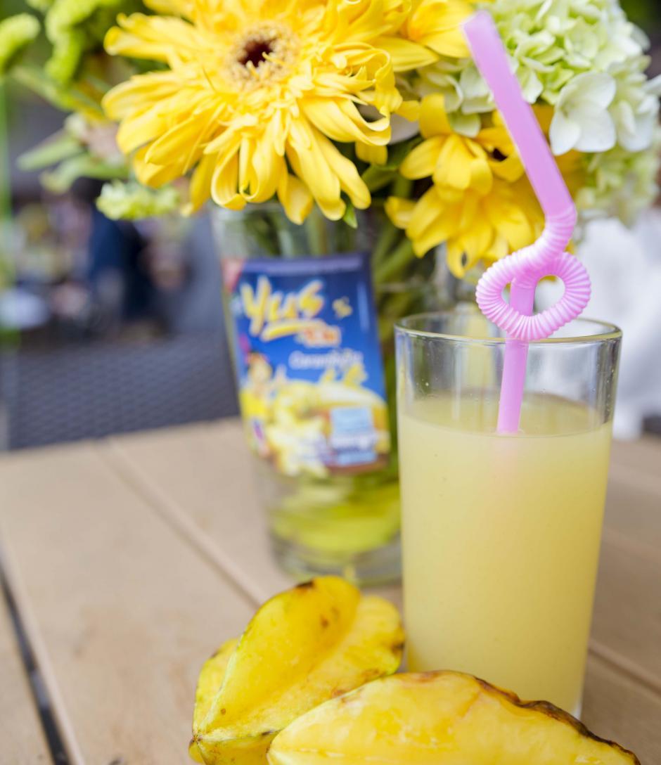 Yus Carambola es la nueva bebida que está disponible por tiempo limitado. (Foto: George Rojas/Soy502)