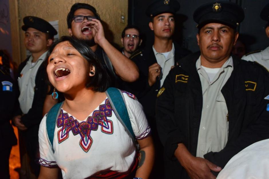 Los manifestantes son en su mayoría jóvenes. (Foto: Jesús Alfonso/Soy502)