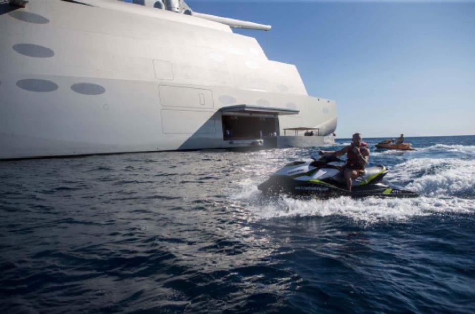 Los deportes acuáticos no podían faltar para Conor McGregor. (Foto: Instagram)