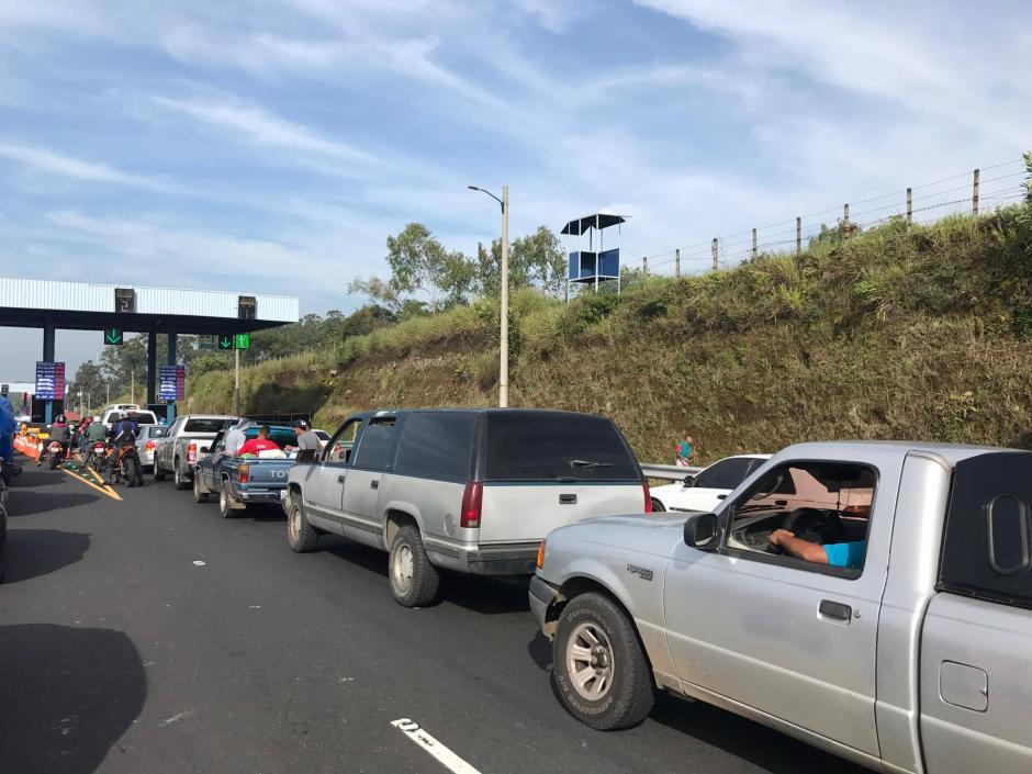 Los guatemaltecos dejan la ciudad. (Foto: María José Meza/Soy502)