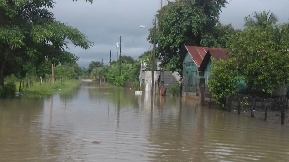 Varias viviendas sufrieron daños tras las inundaciones en dicho lugar. (Foto: Conred)