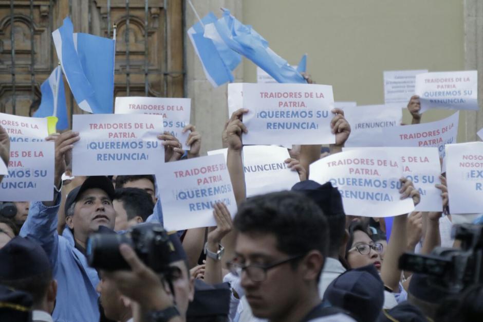 La ciudadanía salió en varias ocasiones para manifestar en el Centro Histórico. (Foto: Alejandro Balán/Soy502)