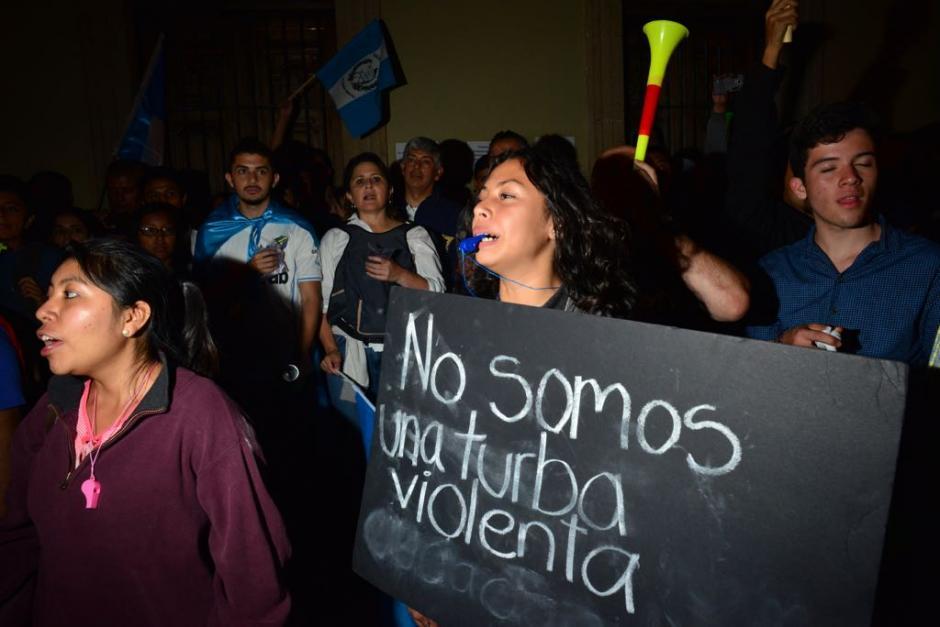 Los inconformes señalaban que la marcha no tenía como objetivo agredir a los diputados. (Foto: Jesús Alfonso/Soy502)