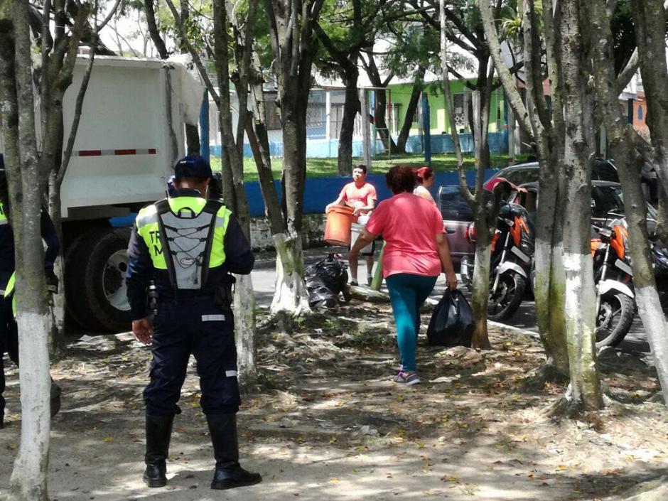 Las autoridades esperan que los afectados se organicen para que todos puedan recibir la ayuda. (Foto: Muni de Mixco)