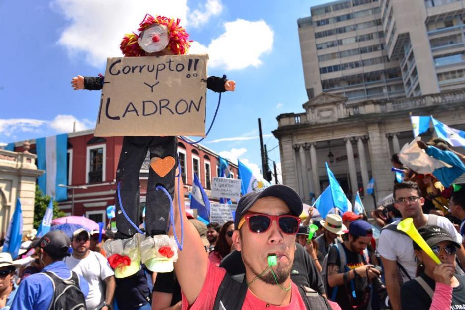 Universitarios, organizaciones y población en general se unieron a la manifestación. (Foto: Jesús Alfonso/Soy502)
