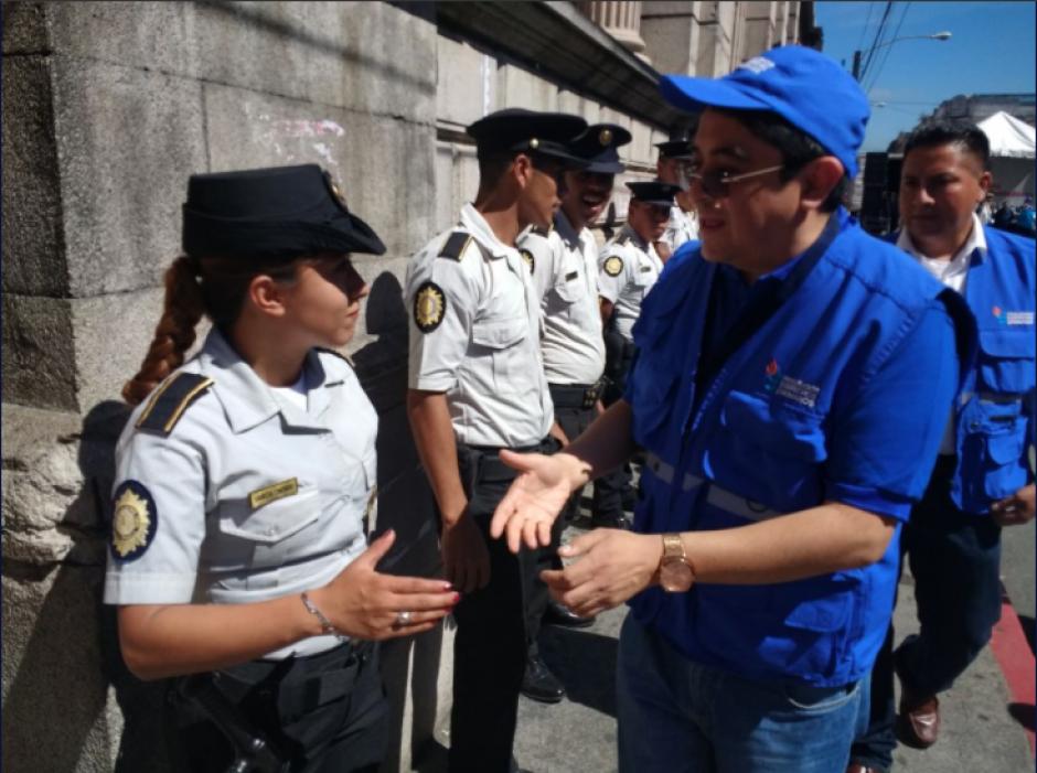 El magistrado de Conciencia permanece en los alrededores del Congreso de la República. (Foto: PDH)