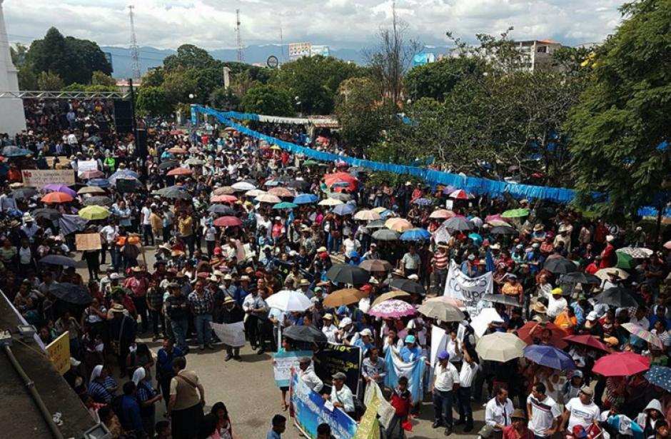 En Quiché también hay protestas contra el Gobierno y los diputados. (Foto: Knal4 Quiché)
