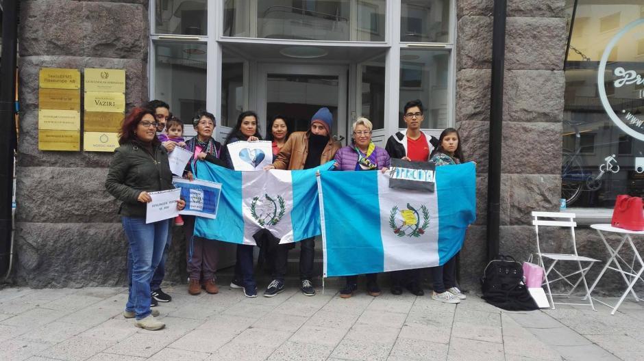 Los manifestantes apoyaron el Paro Nacional 20S desde Estocolmo.  (Foto: Pao Gordillo)