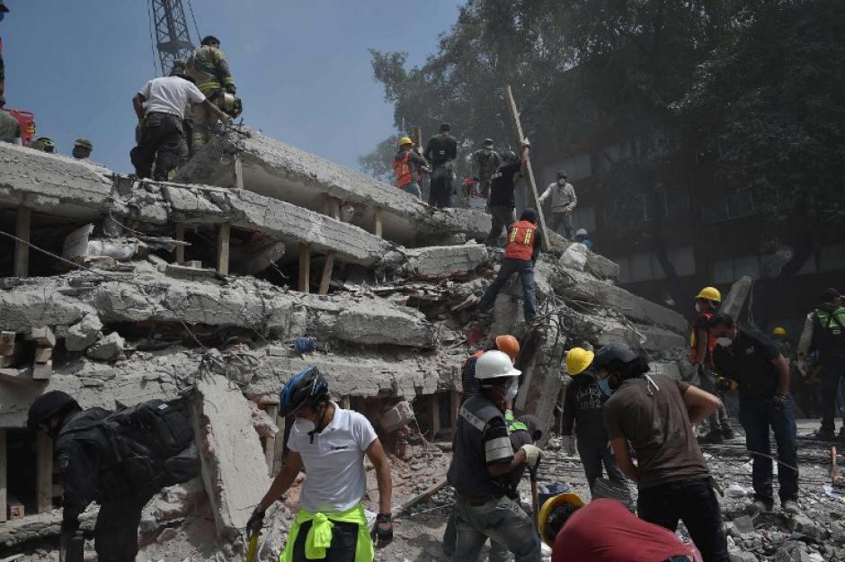 Fuerte y destructivo terremoto sacude México 000_sm2r0