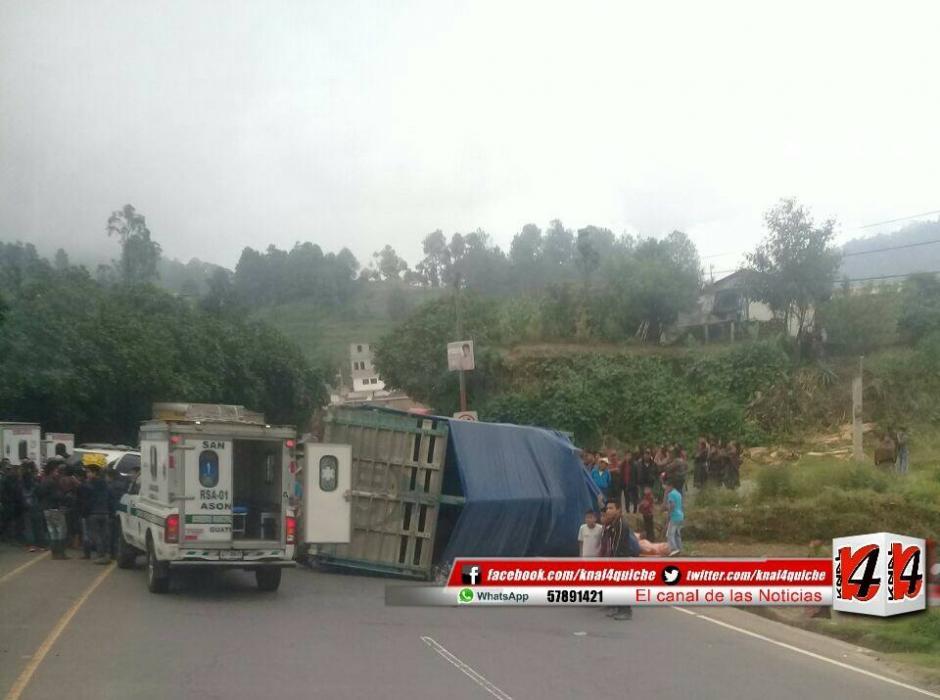 En el percance vial resultó gravemente herido el diputado Joel Bámaca. (Foto: Facebook/ Kn4 Quiché Noticias)