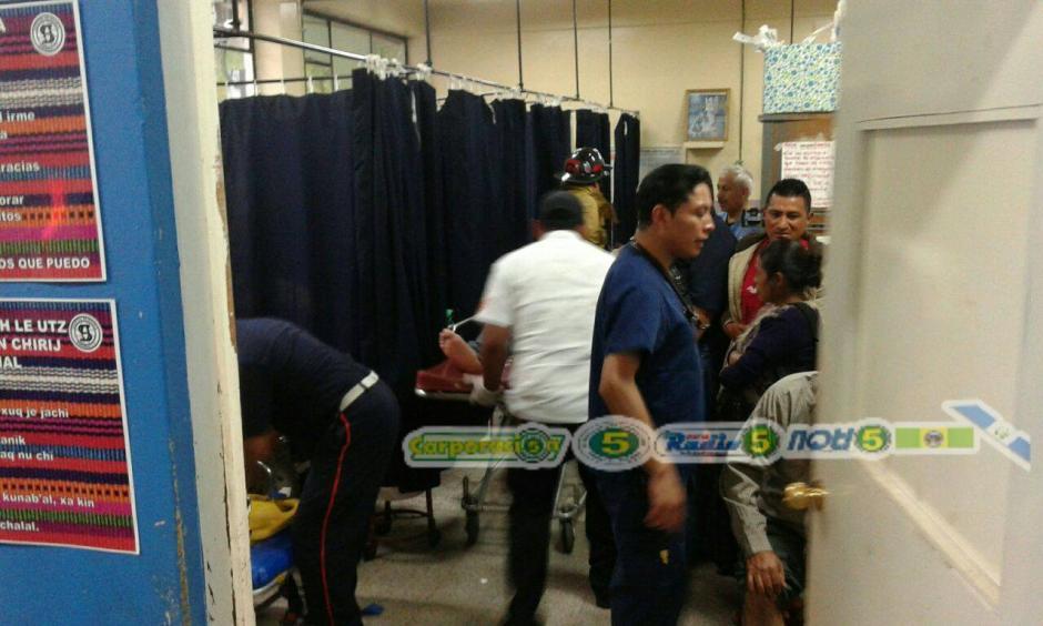 El diputado fue trasladado hacia el Hospital de Accidentes del IGSS 7/19. (Foto: Facebook/noti5 solola)