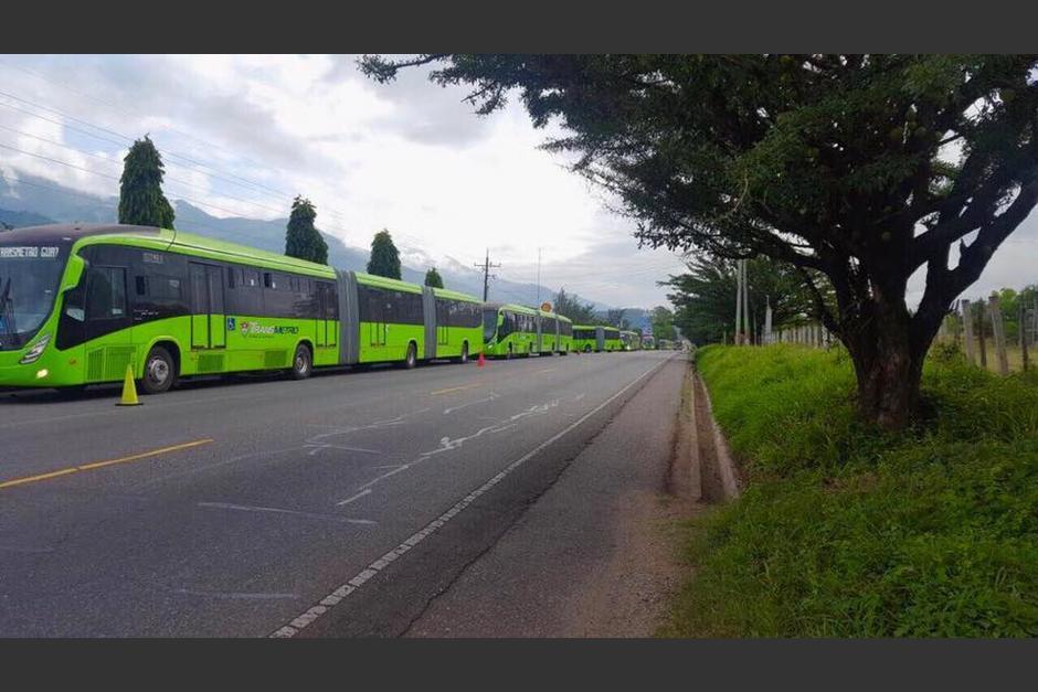 Los buses ingresaron esta mañana al país. (Foto: FacebookMuniGuate)