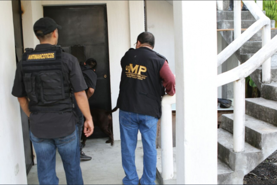La PNC y Ministerio de la Defensa colaboraron en los allanamientos. (Foto: MP).