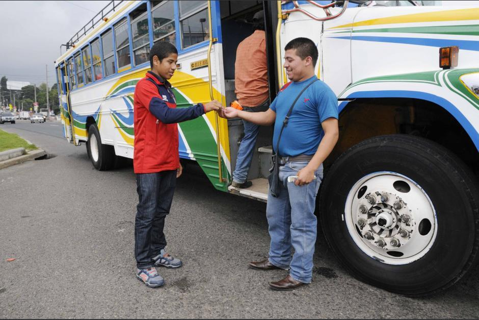 Pedro Altán sigue viajando en bus y no olvida sus raíces: (Foto: Nuestro Diario)
