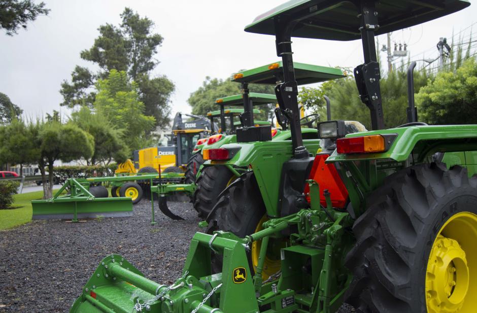 Coguma todavía es identificada principalmente por la marca John Deere, con la cual distribuye maquinaria agrícola y de movimiento de tierra. (Foto: Victor Xiloj/Soy502)