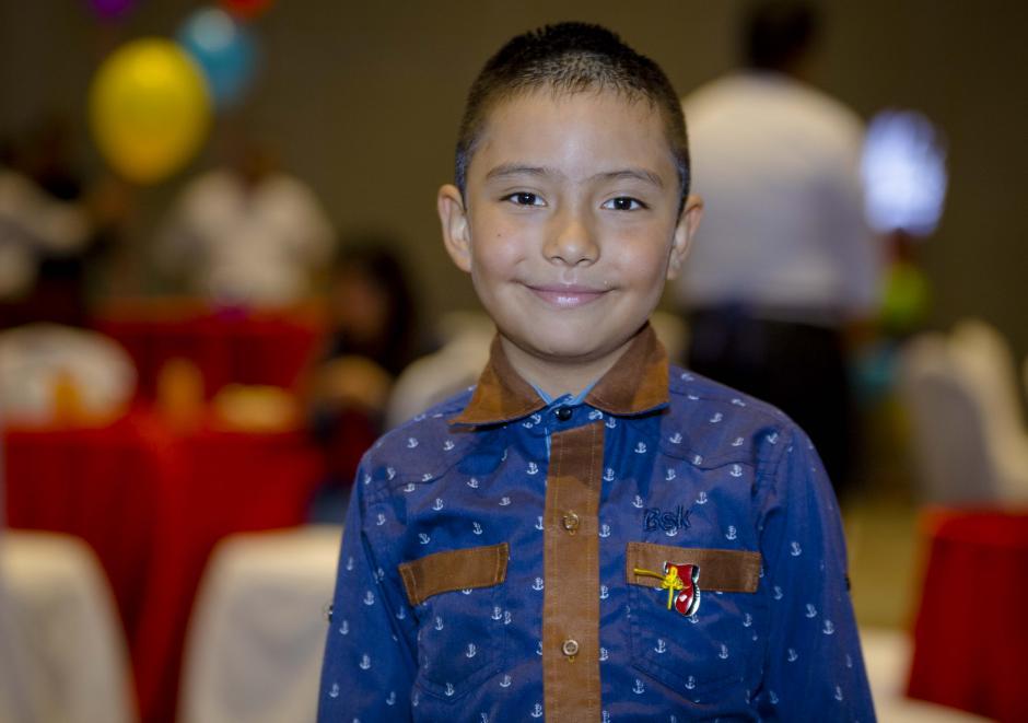 Mario Orozco, originario de San Pedro Sacatepéquez, padece de hemofilia y pertenece al grupo de niños beneficiados de la Fundación Ronald McDonald. (Foto: George Rojas/soy502)