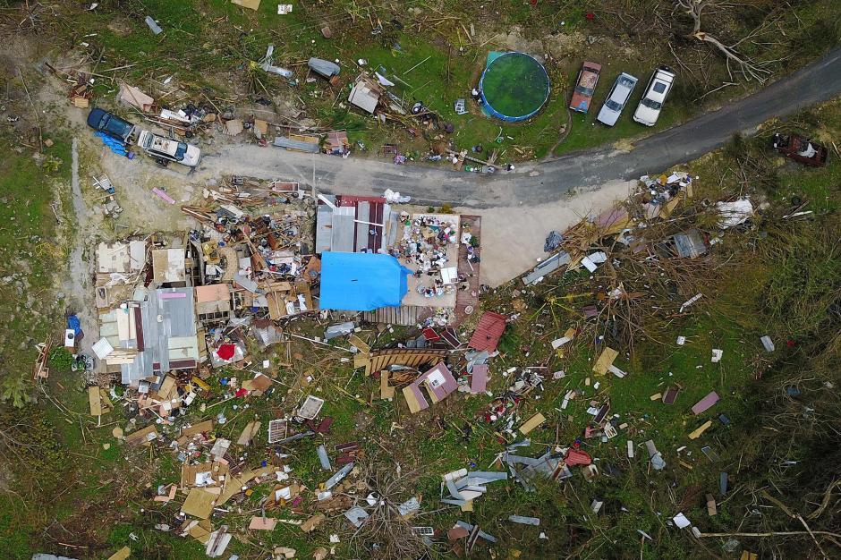 El huracán dejó varias viviendas sin techo y arrasó con todo a su paso. (Foto: AFP)