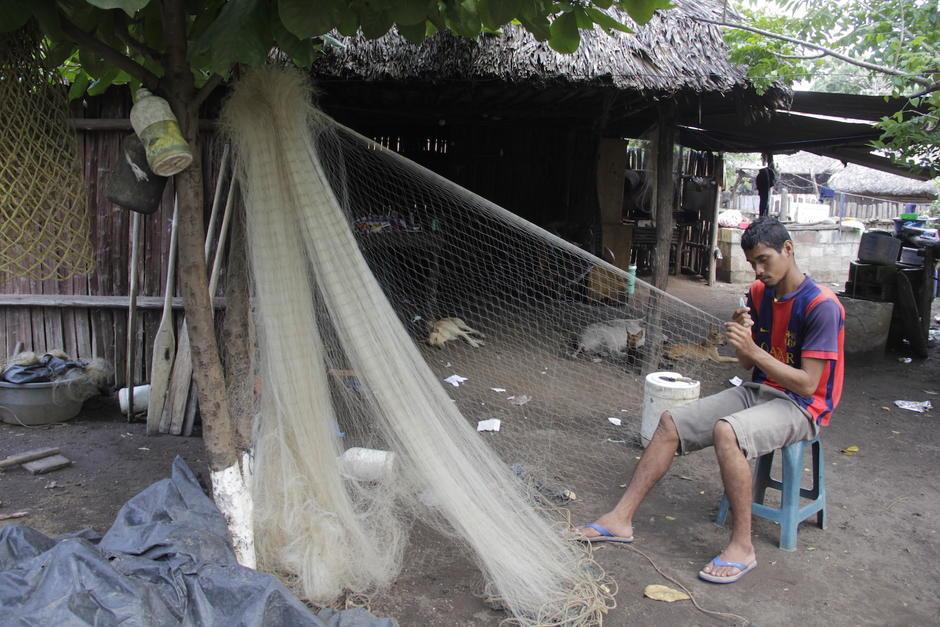 En la aldea El Chico la mayor parte de sus habitantes se dedica a la pesca artesanal. (Foto: Fredy Hernández/Soy502)