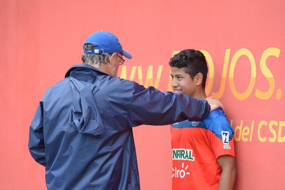Gustavo Machaín conoce muy bien a Pedro Altán ya que lo dirigió en la especial.  (Foto: Nuestro Diario)